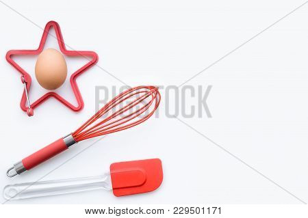 Items For Scrambled Eggs And Omelets, Desserts, Bakery. Egg, Corolla, Silicone Spatula, Silicone Mol