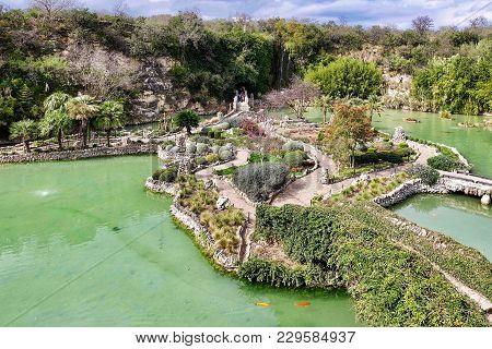 San Antonio, Usa, 2018.02.27.: The Japanese Tea Garden In San Antonio In The Usa.