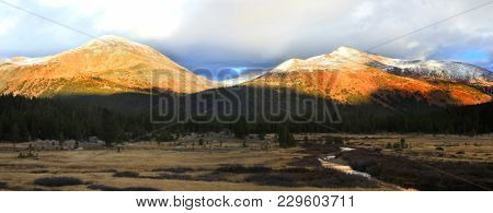 Sun light over mountains in Yosemite national park