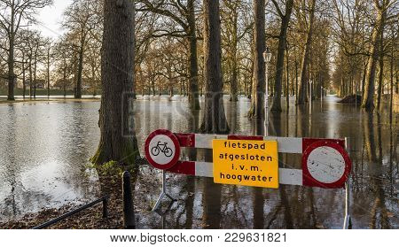 Deventer, The Netherlands - January 8, 2018: Flood In Deventer At The River Ijssel In Gelderland Wit