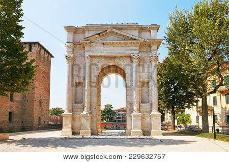Verona, Italy - August 17, 2017: The Arch Of Gavi Is An Ancient Roman Triumphal Arch In The City Of