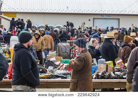 Mud Sale Shoppers