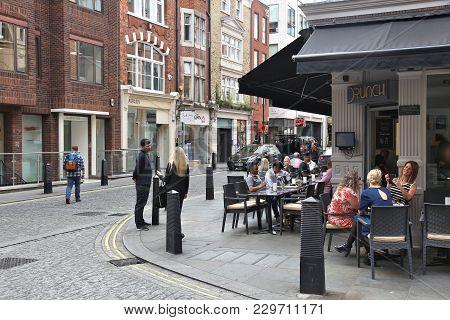 London, Uk - July 7, 2016: People Shop At Woodstock Street In London. Woodstock Street Is A Major Sh