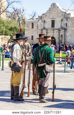 San Antonio, Texas - March 2, 2018 - Men Dressed As 19Th Century Soldiers Participate In The Reenact