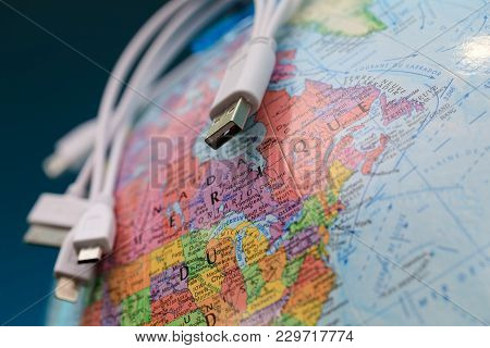 Globe And Usb Cables (toponymics Are Written In French). Focus On Province Of Ontario, Canada. Globa
