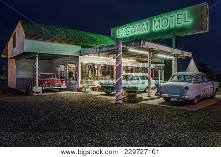 Holbrook, Arizona Usa - September 5, 2017: Famous Wigwam Motel On Historic Route 66 Photographed At