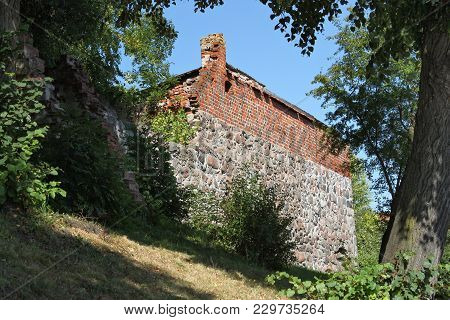 Remains Of City Walls In Pravdinsk (german Name Of Town Is Friedland), Russia. Pravdinsk Was Founded