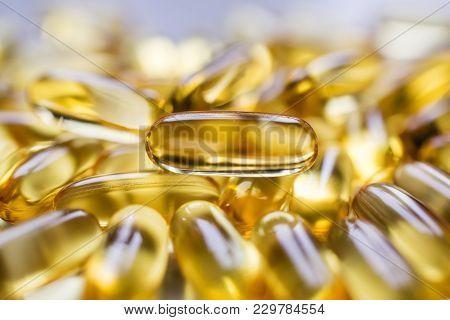 Fish Oil Capsules, Omega-3, Omega-6 Vitamin Tablets