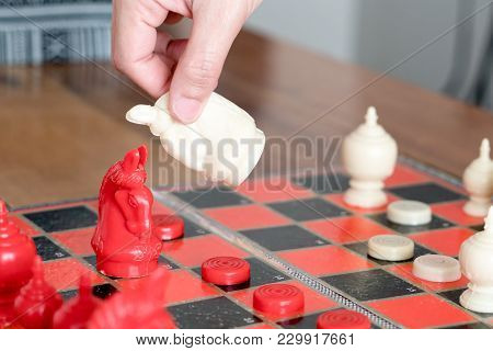 The White Chess On Women Hand Is Fighting With Red, Think, Discuss, Committed, Competition, Winner,