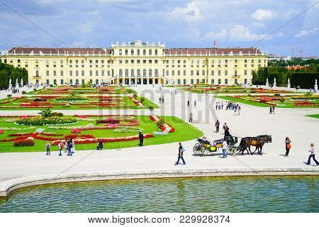 Vienna,austria - September 4 2017; Tourists And Horse And Carriage In Frontt Baroque Architectural S