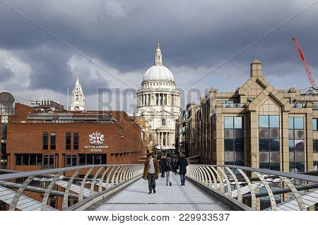 London, Uk: February 26, 2018: The City Of London School, Also Known As Cls, Is An Independent Day S