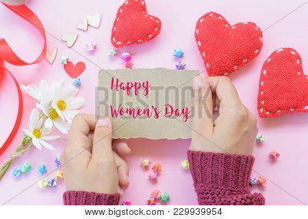Woman Hand Holding Paper With Happy International Women's Day Message  With Handmade Red Heart, Beau