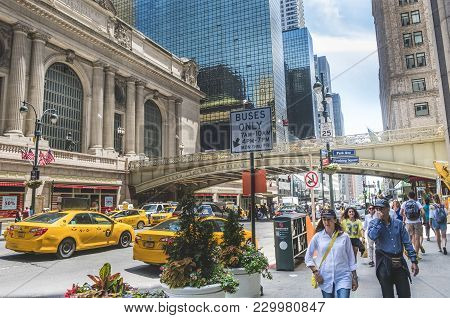 New York City June 2017 United States: Urban Scene In Front Of Grand Central Along 42nd Street In Ne
