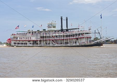 New Orleans, La/usa -june 14, 2019: Natchez Riverboat Takes Tourists On Excursion In Mississippi Riv