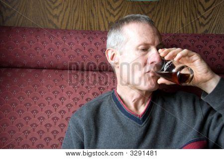 Man Bier trinken