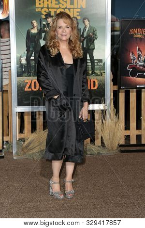 LOS ANGELES - OCT 11:  Lea Thompson at the