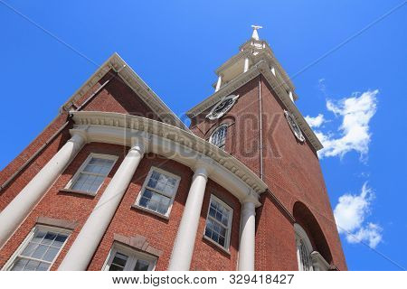 Park Street Church In Boston, Usa. It Belongs To Conservative Congregational Christian Conference (p