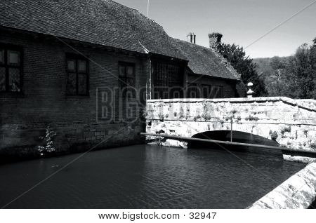 Moat House 2