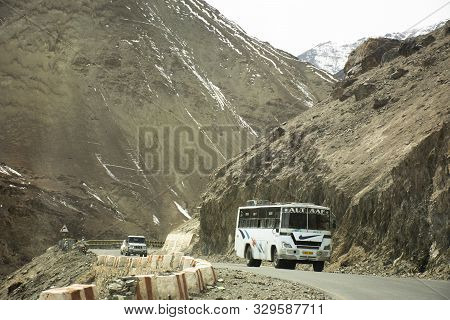 Jammu Kashmir, India - March 21 : Indian People Drive Car And Bus On Srinagar Highway Go To Confluen