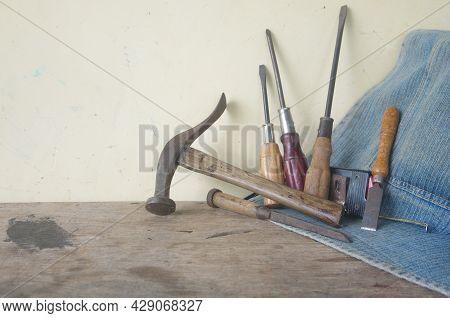 Carpenter, Carpentry Equipment Tool, Hammer ,carpentry On Wood