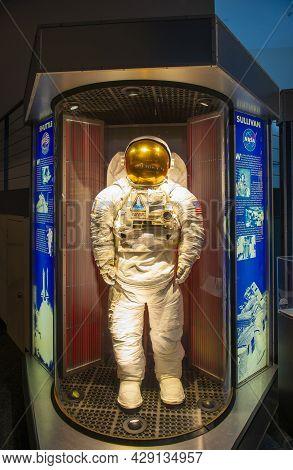 Houston, Tx, Usa - Dec. 15, 2018: Spacesuit Of Space Shuttle Astronaut Kathryn Sullivan Displayed In