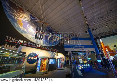 Houston, Tx, Usa - Dec. 14, 2018: Interior Of Boeing 747 Shuttle Carrier Aircraft On Independence Pl