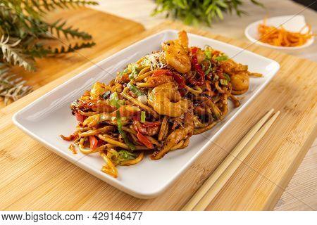 Close Up Of Noodles Stir Fry With Shrimp And Vegetables