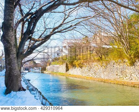 Dream Of Beautiful And Clean Canal Surrounding With Old Vintage House Under Sunlight In Travel Villa