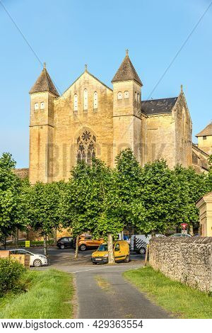 Beaumont Du Perigord, France - June 25,2021 - View At The Church Of Saint Laurent And Saint Front Fr
