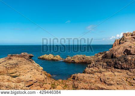 Coast Along Lighthouse Mean Ruz, Port Of Ploumanach, In The Town Of Perros-guirec, Cotes-d\'armor, I