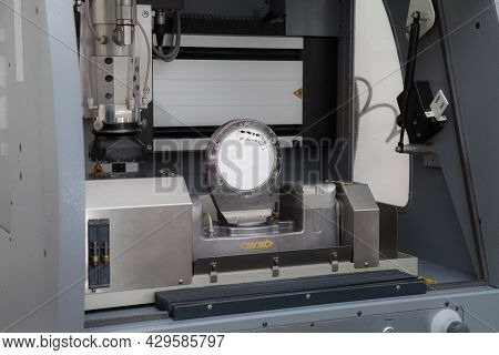 Dentist Technician Milling Machine. Apparatus For Carving Of Dental Crowns. Milling Dental System Wi