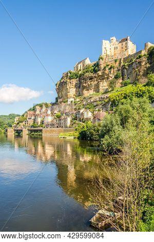 Beynac Et Cazenac, France - June 25,2021 - View At The Dordogne River With Beynac-et-cazenac Village