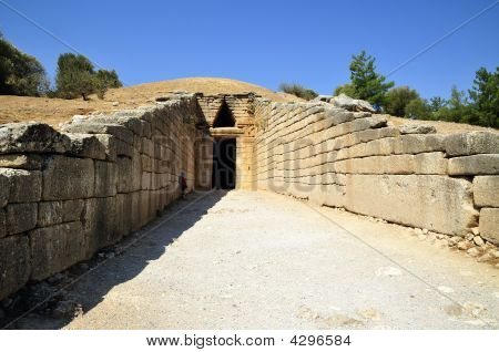 Royal The  Domical Tomb
