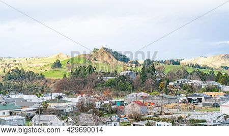 Te Kuiti New Zealand - July 26 2021; Rooftops And Landscape On The Main Trunk Line Of Kiwi Rail's No