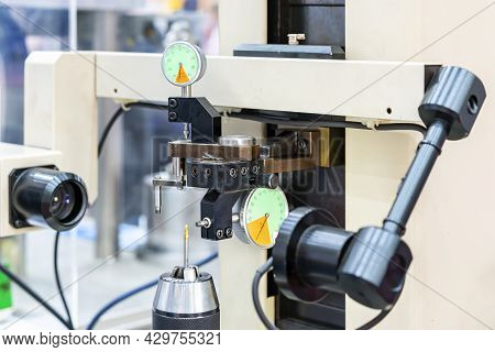 Cutting Tool Drill Bit Or Milling Cutter Setup On High Accuracy And Precision Vision Measuring Machi