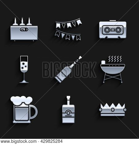 Set Champagne Bottle, Whiskey, Crown, Barbecue Grill, Wooden Beer Mug, Glass Of Champagne, Retro Aud