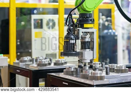 High Technology And Precision Robot Grip With Camera And Automatic Clamp Or Chuck For Vision Inspect