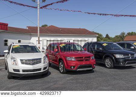 Kokomo - Circa August 2021: Buy Here Pay Here Used Car Dealer. Many Buy-here, Pay-here Car Dealershi