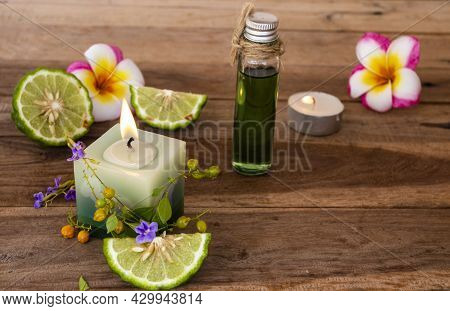 Natural Herbal Oils With Scented Candle Extract Kaffir Lime Aroma Therary Local Of Asia Arrangement