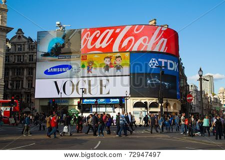 Piccadilly Circus During The Day