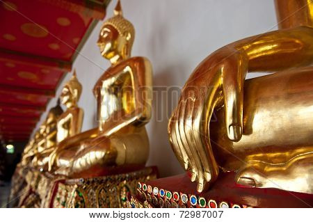 Golden Buddha Statues
