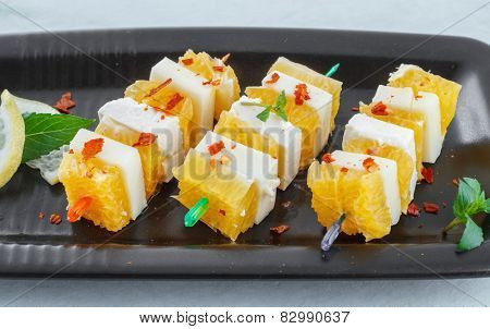 Healthy appetizer made with fruits and cheese