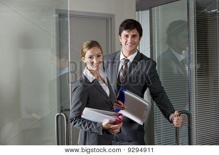 Ufficio lavoratori apertura porta Boardroom