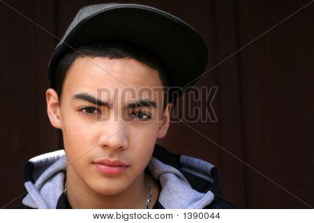 Teen Boy mit Hut