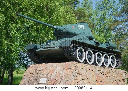 NOVGOROD REGION, RUSSIA - JUNE 02, 2016: Tank T-34-85 closeup. The monument at the entrance to the city of Staraya Russa. Historical landmark