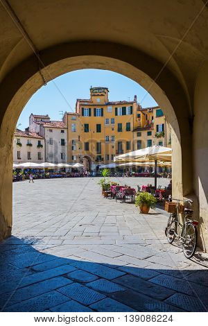 Archway To The Piazza Dell Anfiteatro In Lucca, Italy