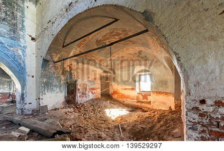 Brick vault apse with christian painted ceiling in an abandoned temple