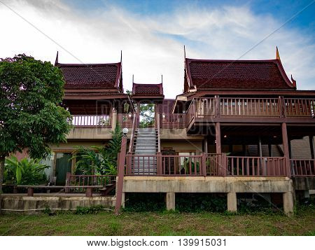 house habitation home Bansongthai Thaiold-fashioned ancient antiquity old former