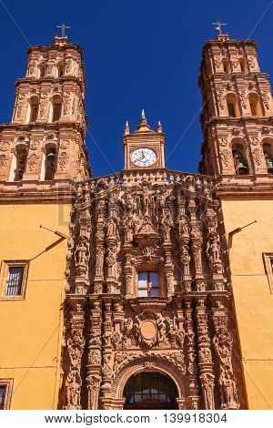 Facade Statues Parroquia Cathedral Dolores Hidalgo Mexico. Where Father Miguel Hidalgo made his Grito de Dolers starting the 1810 War of Independence in Mexico. Cathedral built in the 1700s.