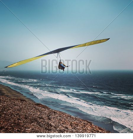 Hang Gliding at Fort Funston above the ocean